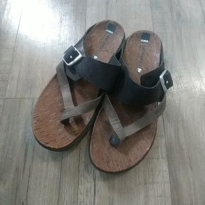 Merrell Strappy Sandals flip flops 7